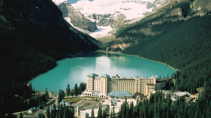 lake louise banff expedia.jpg